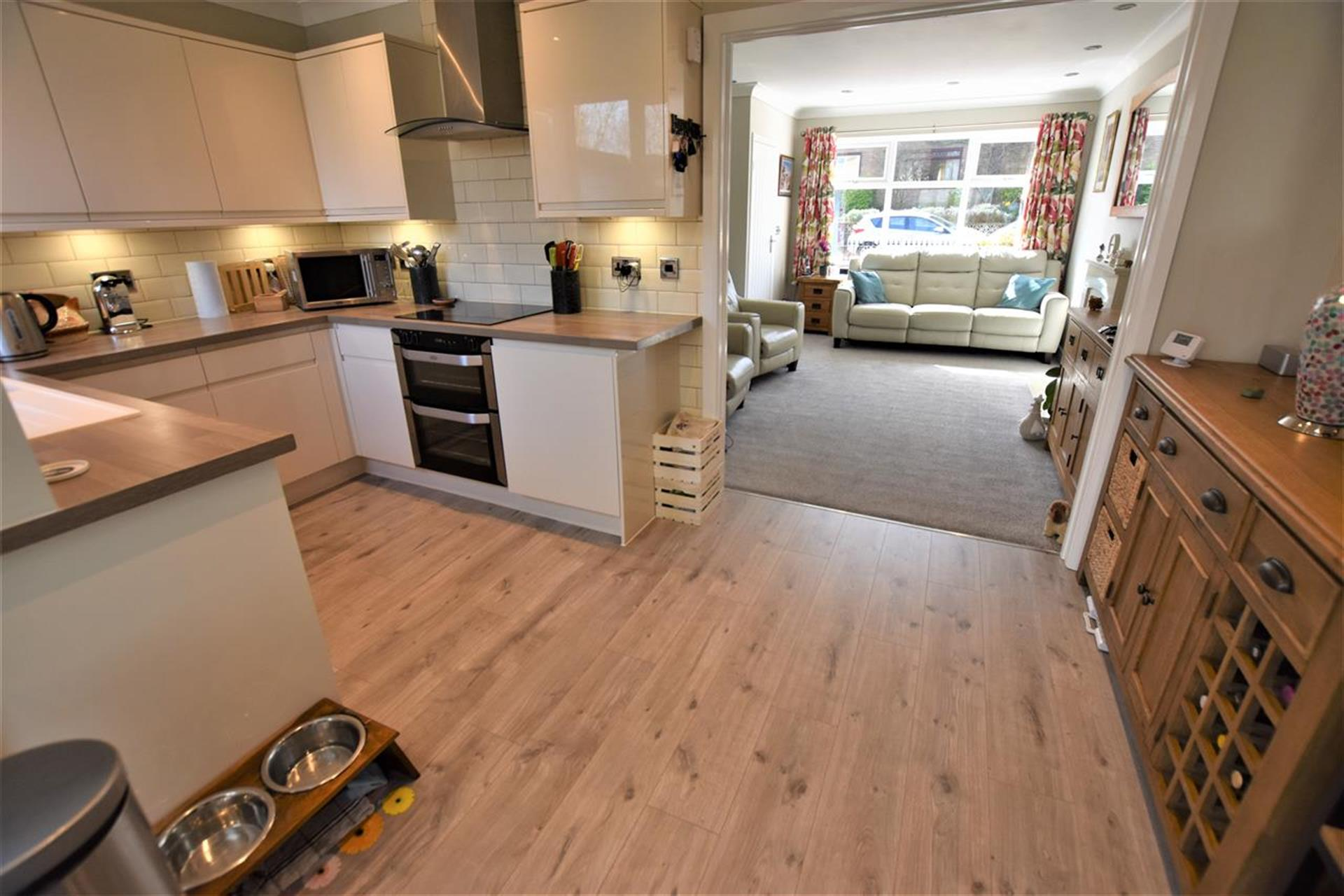 3 Bedroom Semi-detached House For Sale - Kitchen/Dining Area