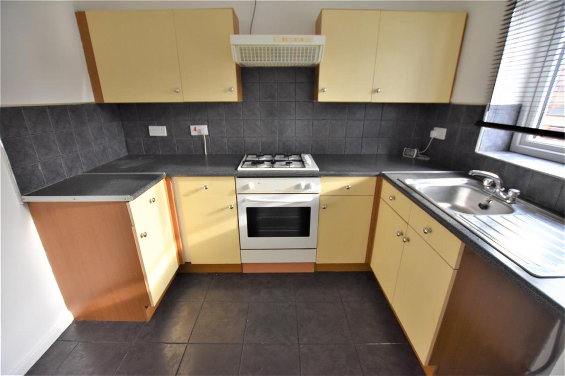 2 Bedroom Mews House For Sale - Kitchen