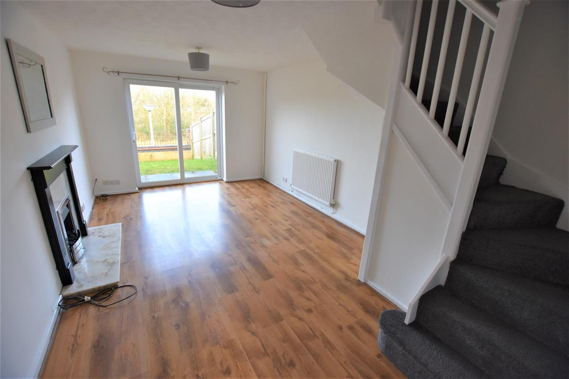 2 Bedroom Mews House For Sale - Lounge