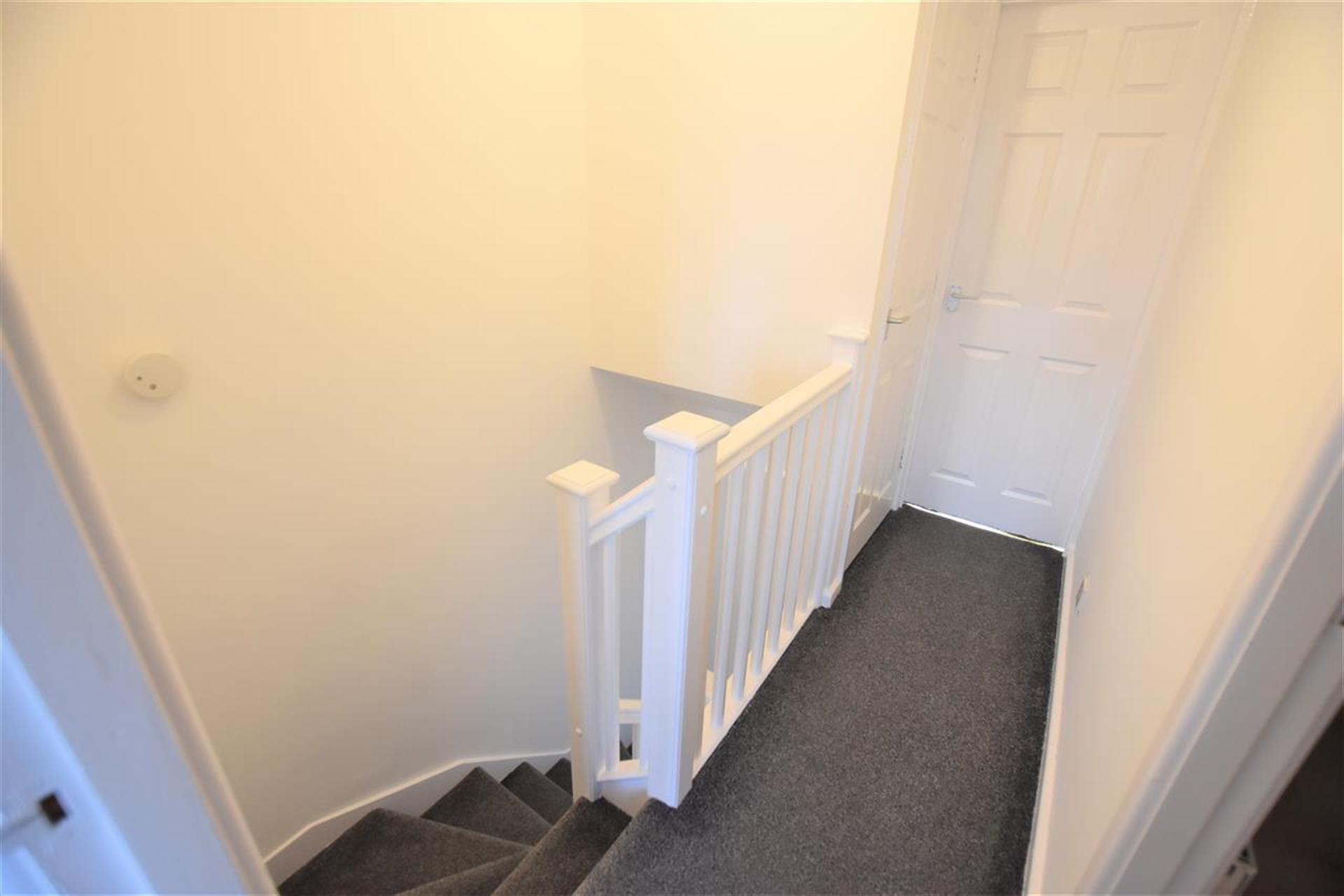 2 Bedroom Mews House For Sale - Hallway