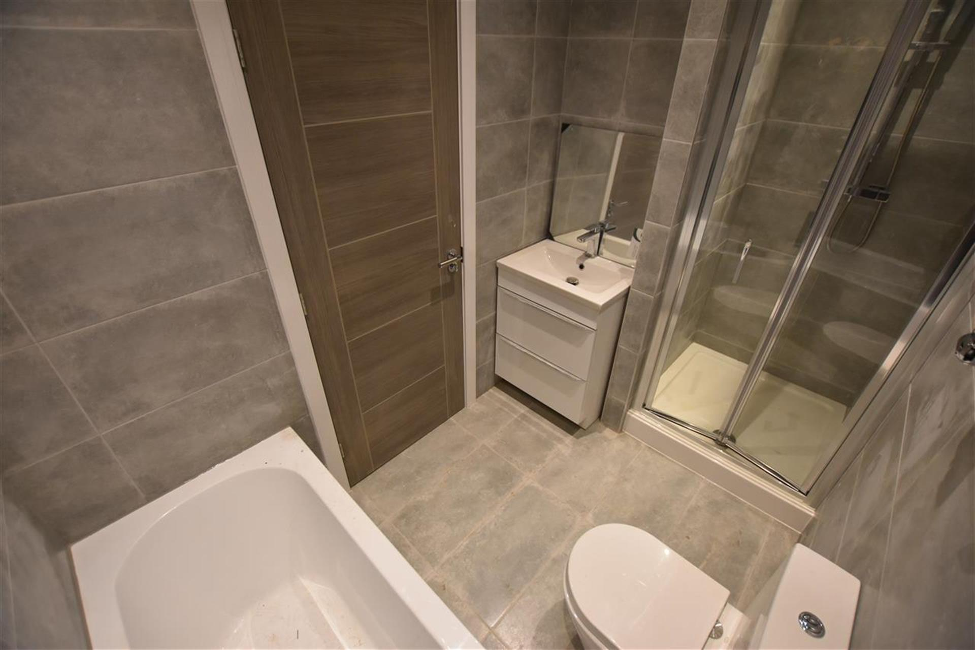 3 Bedroom House For Sale - Master Bathroom