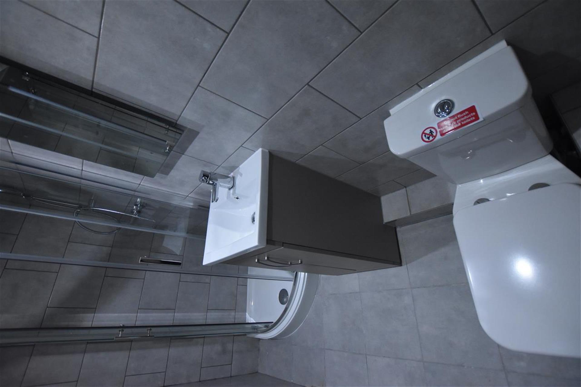 1 Bedroom Apartment Flat / Apartment To Rent - Bathroom