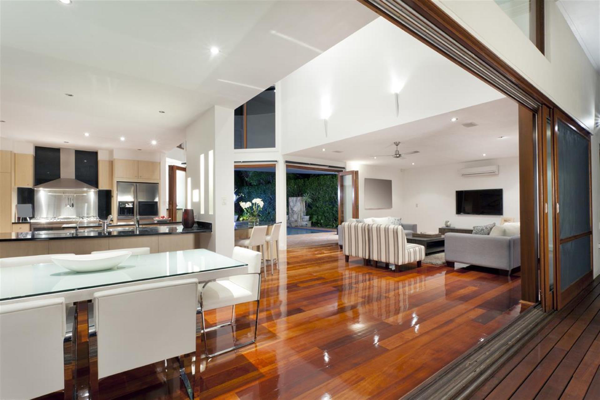 5 Bedroom Detached House For Sale - Kitchen Image