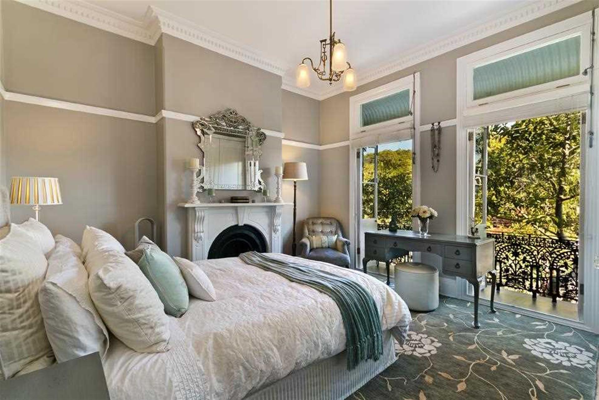 5 Bedroom Detached House For Sale - Bedroom Image
