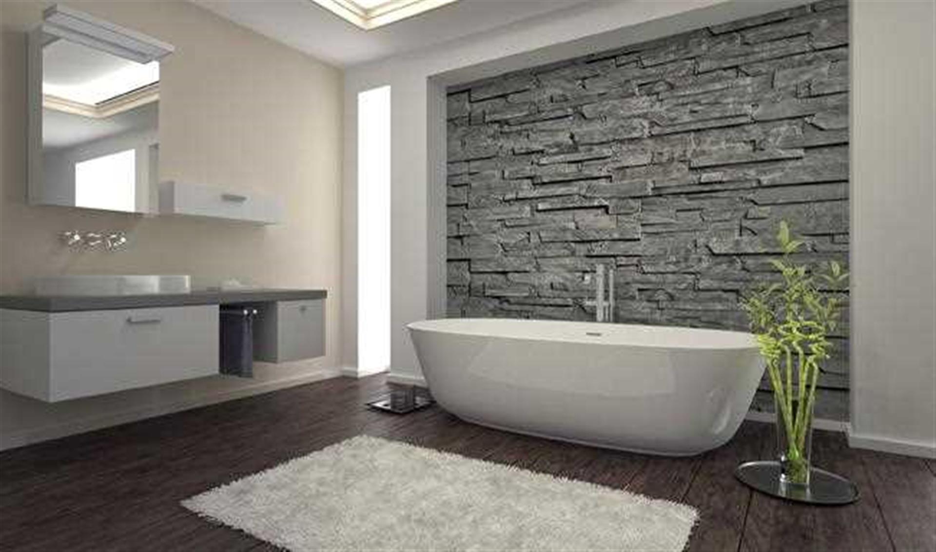 5 Bedroom Detached House For Sale - Bathroom Image