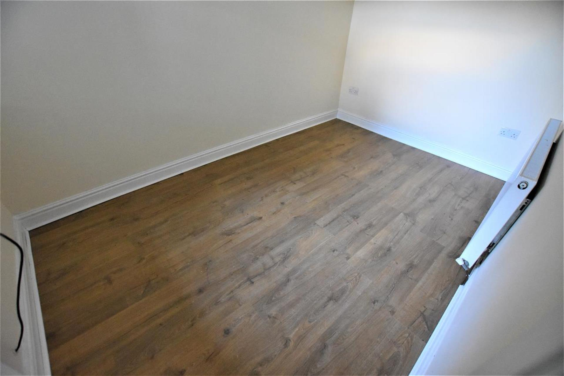 1 Bedroom Apartment Flat / Apartment To Rent - Image 4
