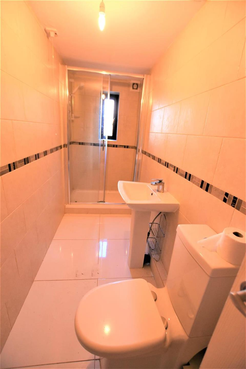 1 Bedroom Apartment Flat / Apartment To Rent - Image 5