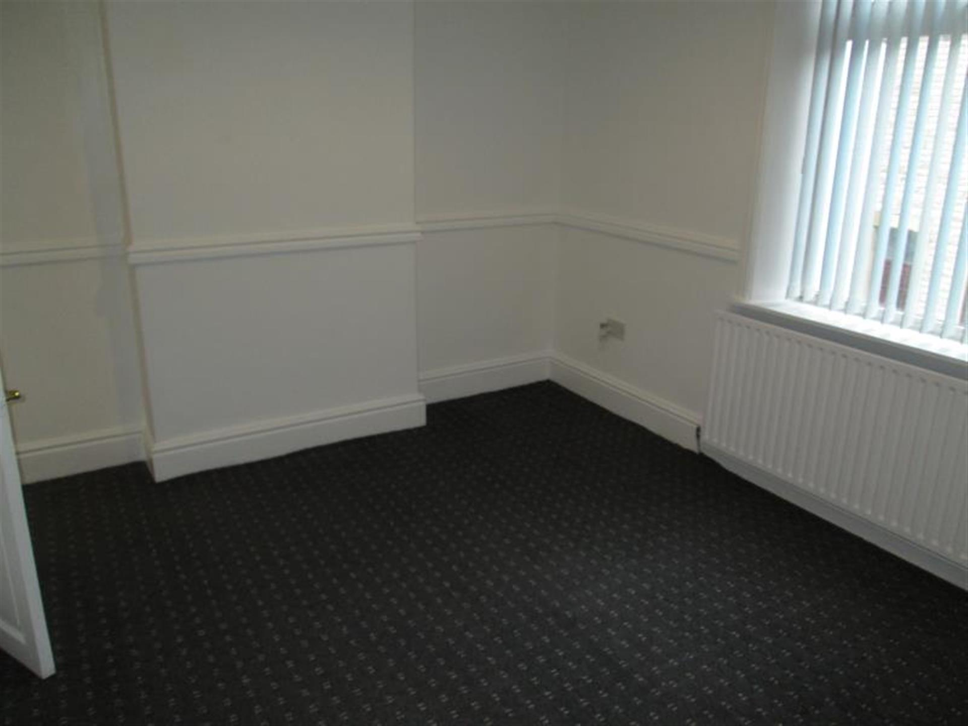 2 Bedroom Terraced House To Rent - Image 3