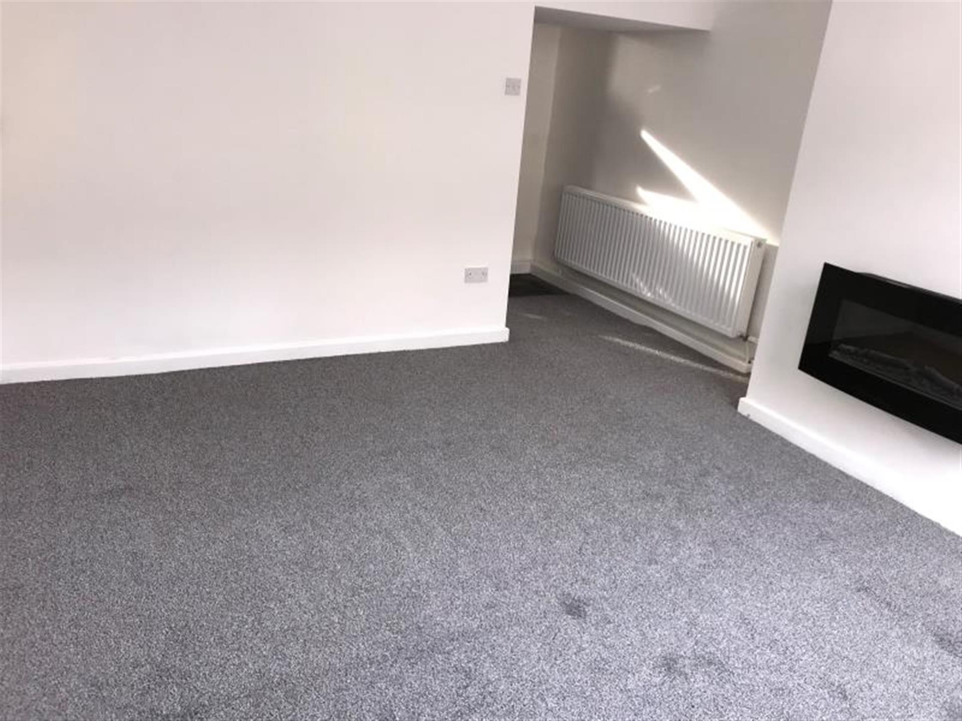 2 Bedroom Terraced House To Rent - Image 1
