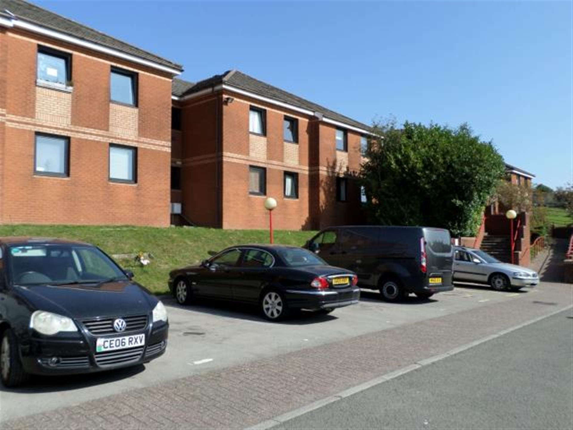 1 Bedroom Flat Flat / Apartment To Rent - Image 1
