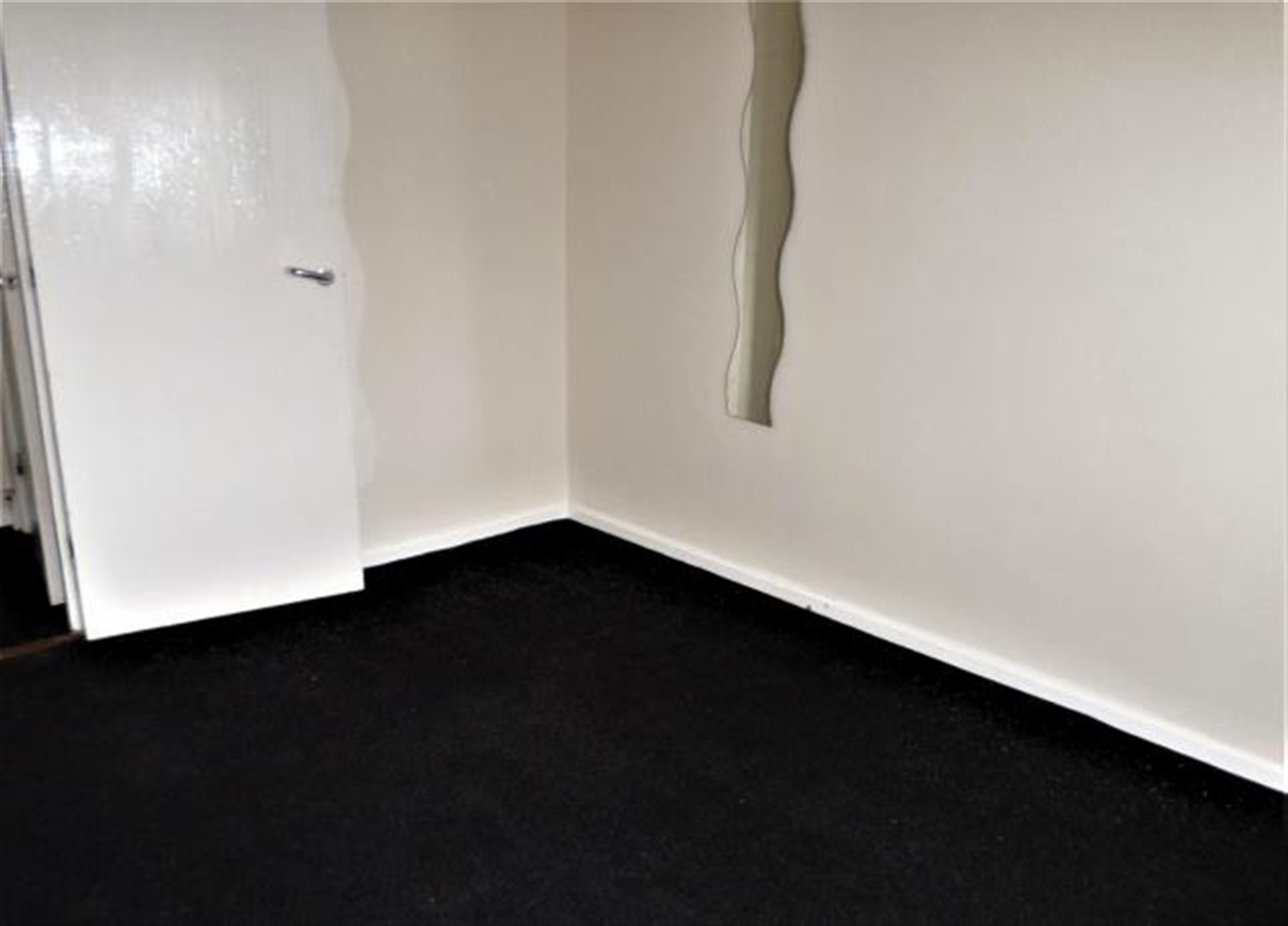 1 Bedroom Flat Flat / Apartment To Rent - Image 6