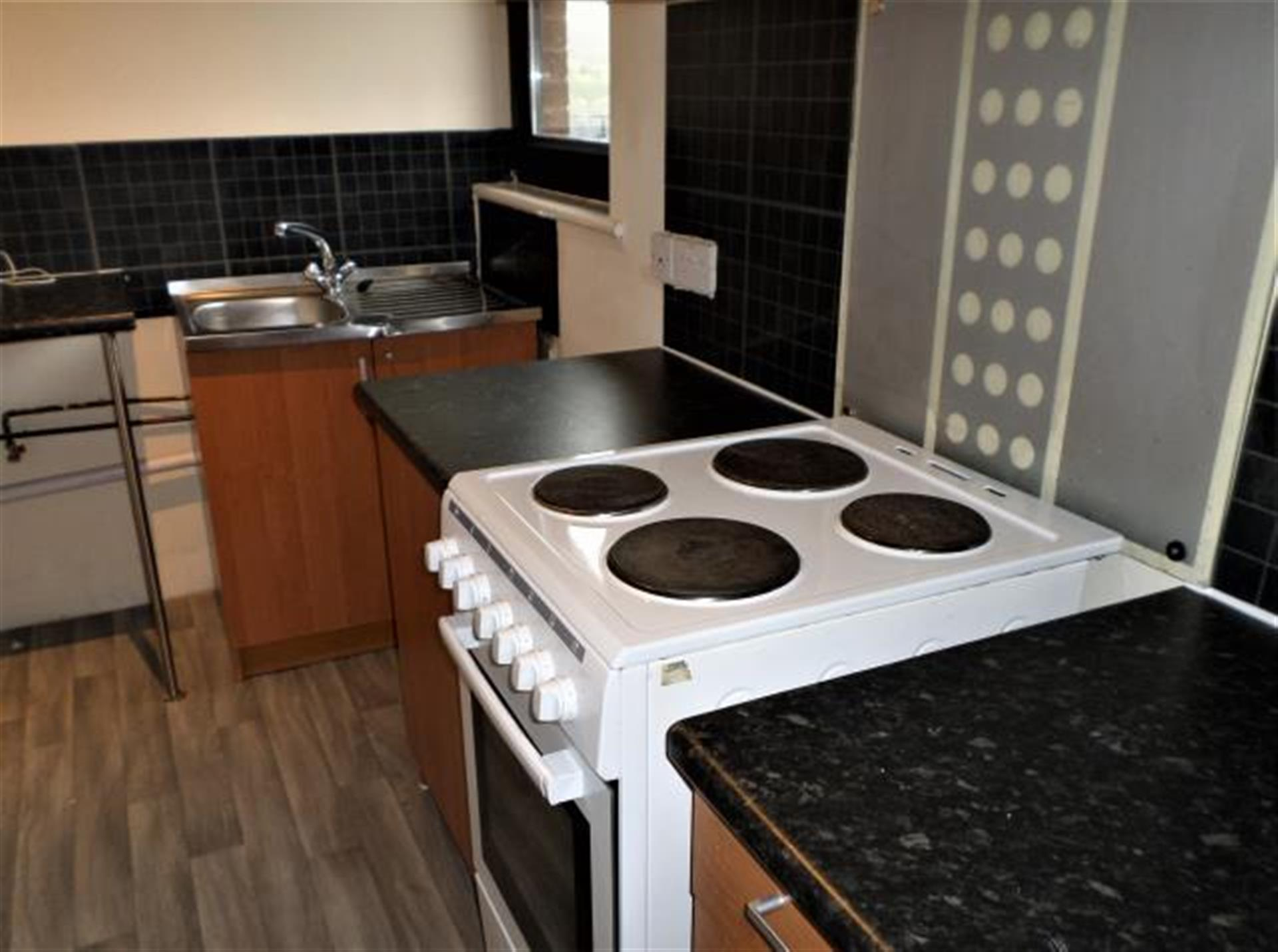 1 Bedroom Flat Flat / Apartment To Rent - Image 8